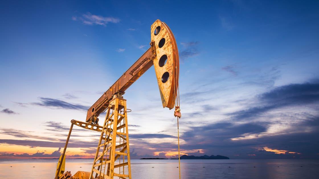 النفط يستقر بعد خسائر حادة واختراق دلتا لأكبر سوق في العالم