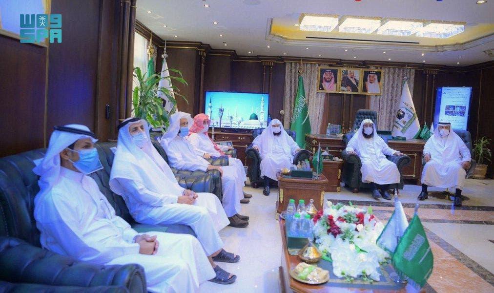 ڈاکٹر عبدالرحمن السدیس منصوبے کے افتتاح کے موقع پر