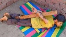 مصرمیں بچے کو شہد لگا کر کیڑوں کے آگے ڈالنے والےسفاک والد کی تلاش