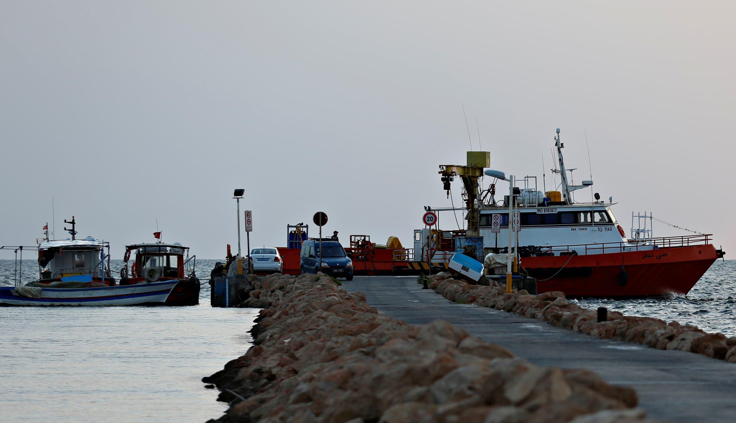 خفر السواحل التونسي (رويترز)