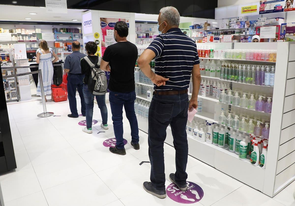 من صيدلية في بيروت (أرشيفية من رويترز)