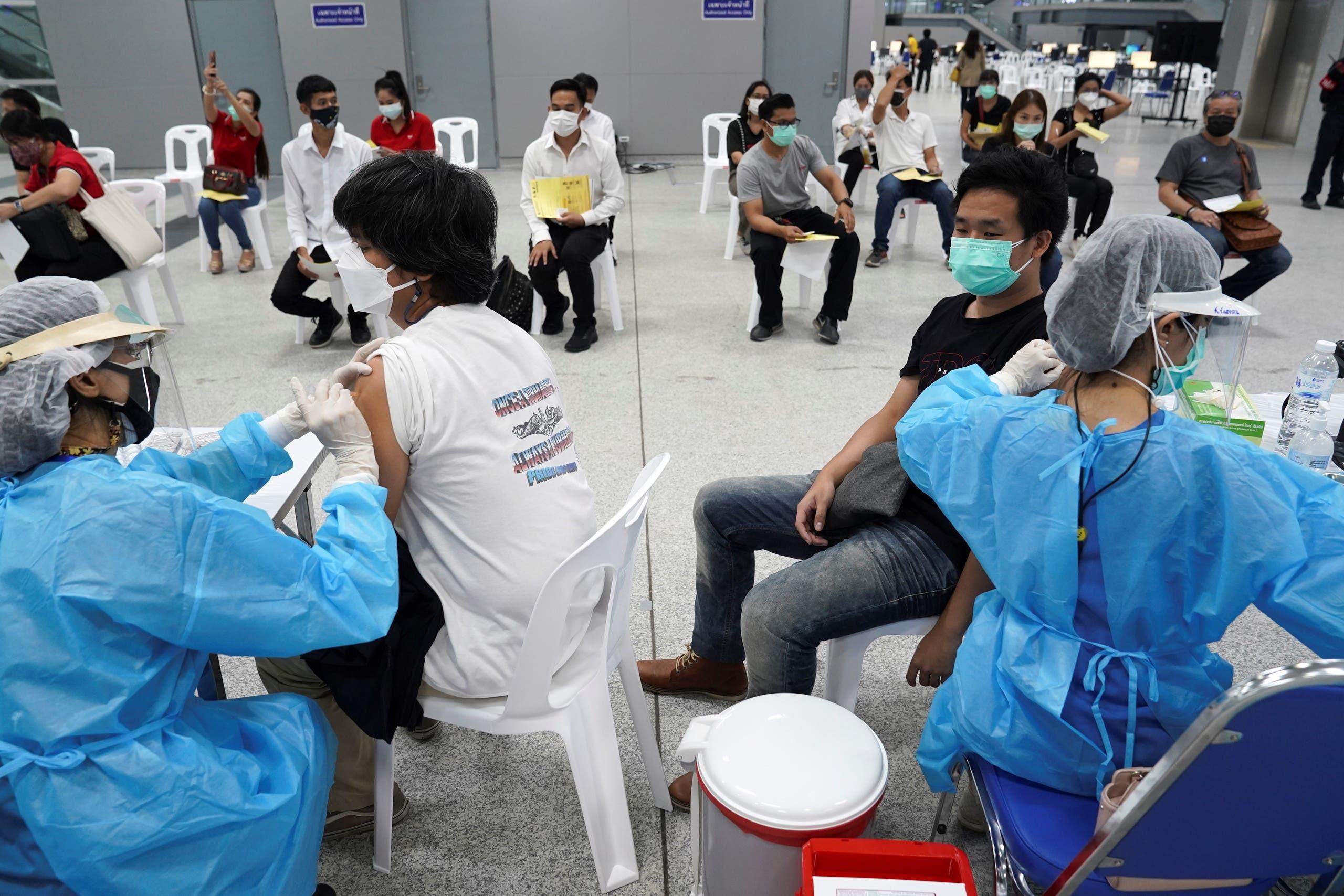 من حملة التطعيم في تايلاند