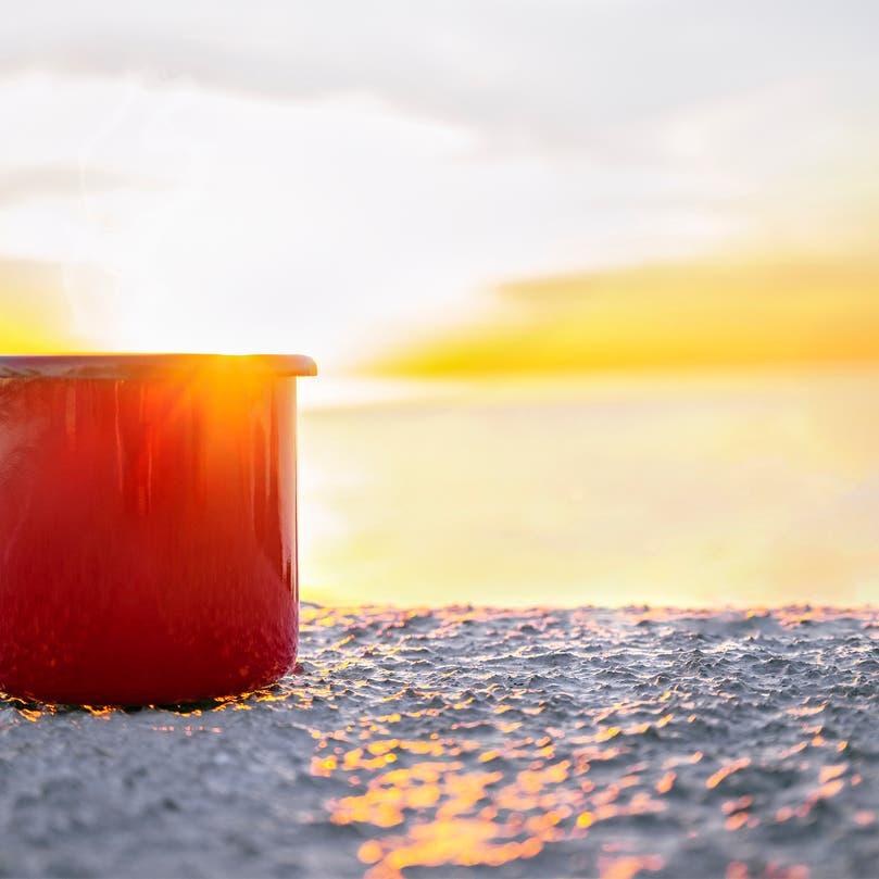 اشرب الساخن أثناء الحر.. 8 حقائق صحية ستذهلك!