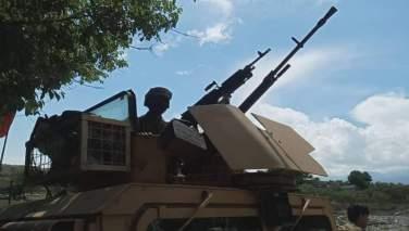 سرباز افغان هنگام عملیات نظامی علیه طالبان