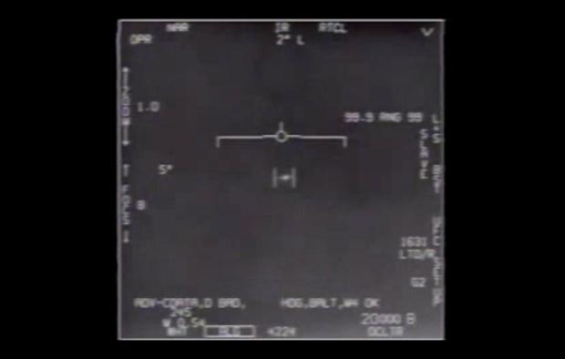 أحد الأجسام الغريبة التي صورها طيارون عسكريون أميركيون في 2004