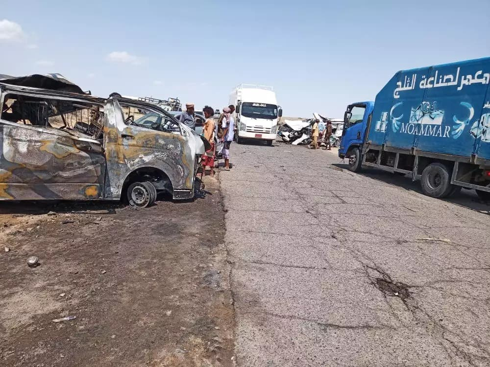 Pictures .. 13 people from one family were killed in a terrible traffic accident in Yemen