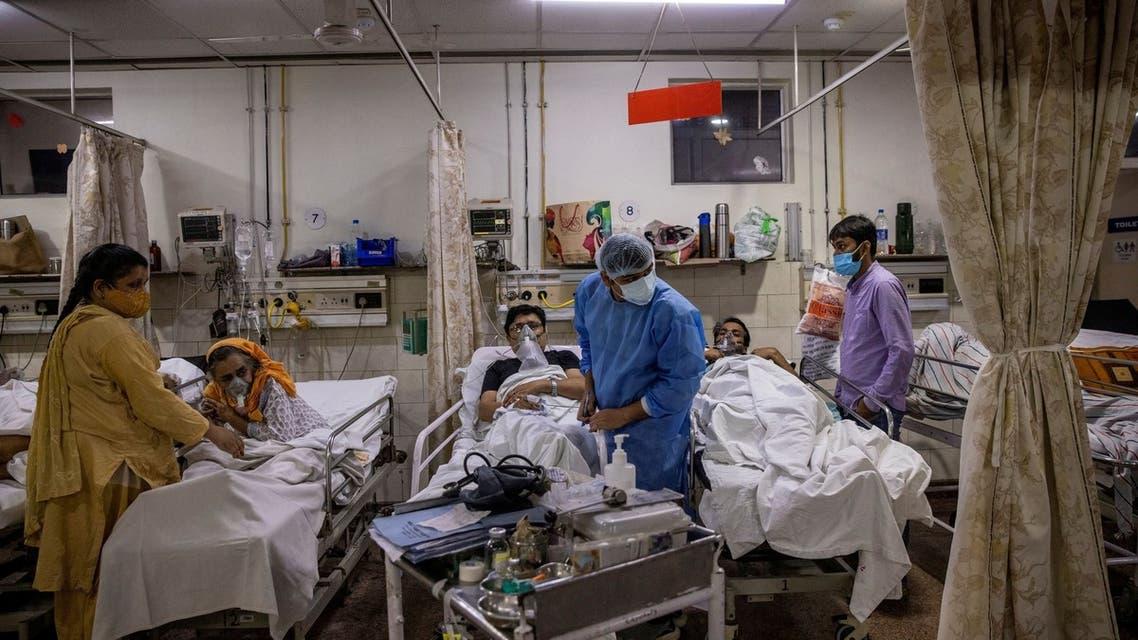 مرضى كورونا في الهند (رويترز)