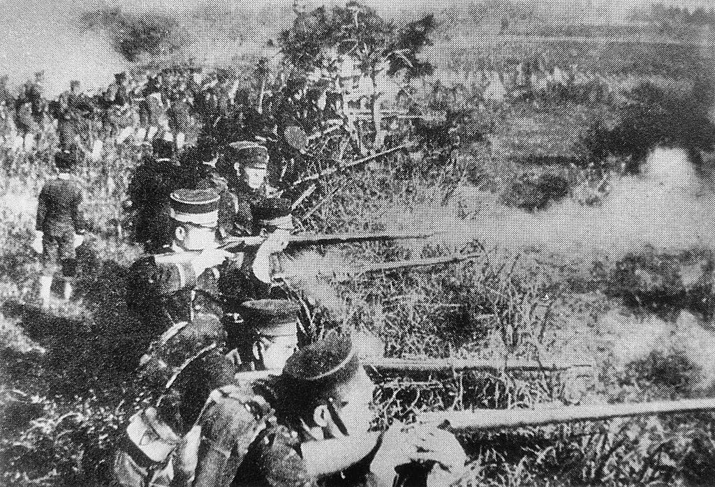 جانب من القوات اليابانية المشاركة في الحرب الصينية اليابانية الأولى