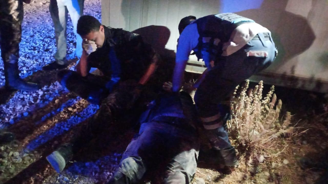 Picture shows injured oficcers following clashes with rioters. (Photo courtesy: Petra)