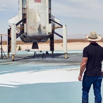"""هل يهزم """"برانسون"""" منافسه بيزوس في سباق الفضاء؟"""