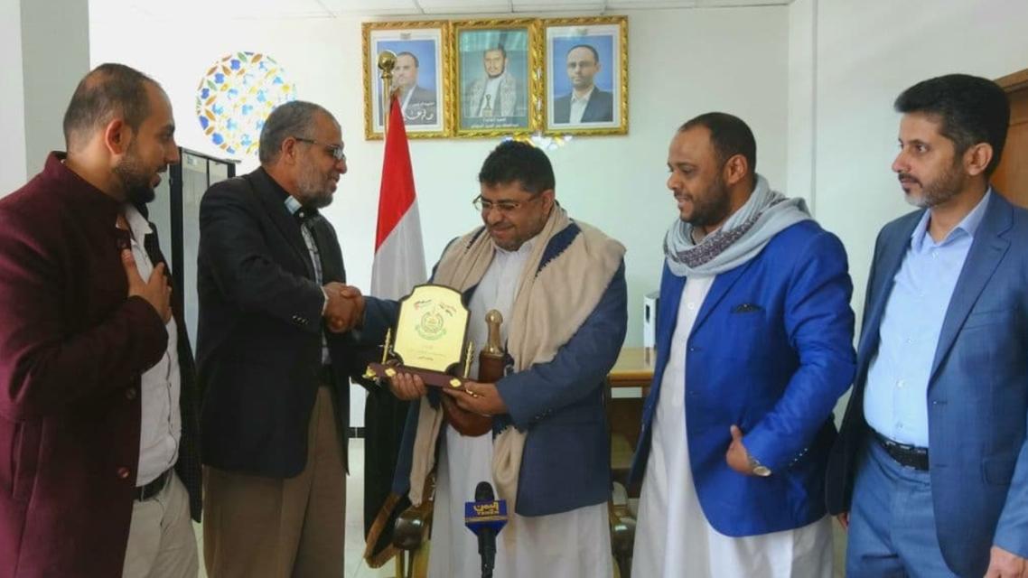 ممثل حماس في صنعاء معاذ أبو شمالة ومحمد علي الحوثي