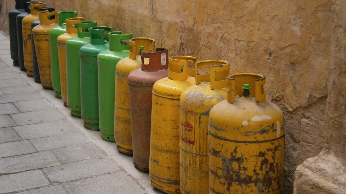 Stock image of gas cylinders. (Pixabay)
