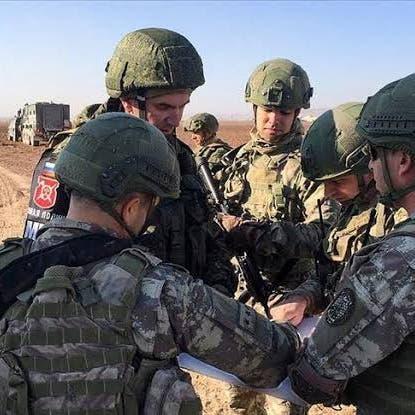 المرصد السوري: مقتل جندي روسي وإصابة 3 في انفجار آلية عسكرية بالحسكة