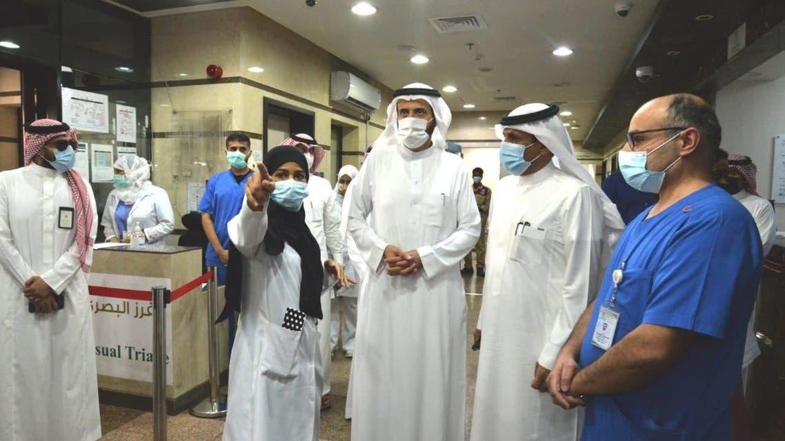 الدكتور الربيعة يتفقد المراكز الصحية في جدة