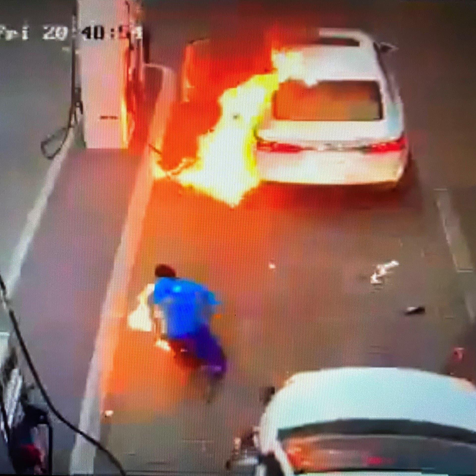 """السعودية.. سيجارة تتسبب في حريق محطة وقود في """"عنيزة"""""""