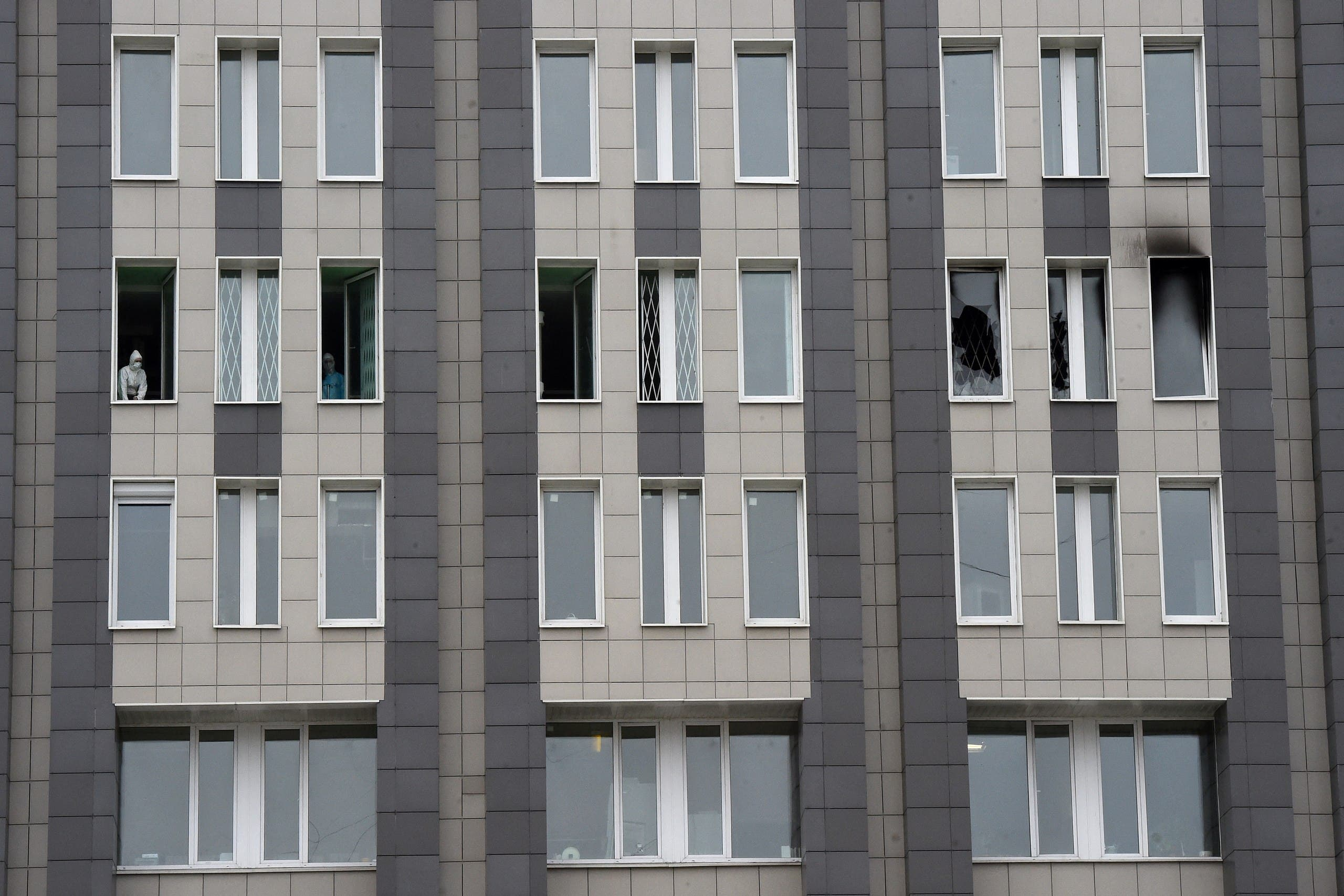 A ventilator causes a fire in a Russian hospital for corona patients.  3 dead