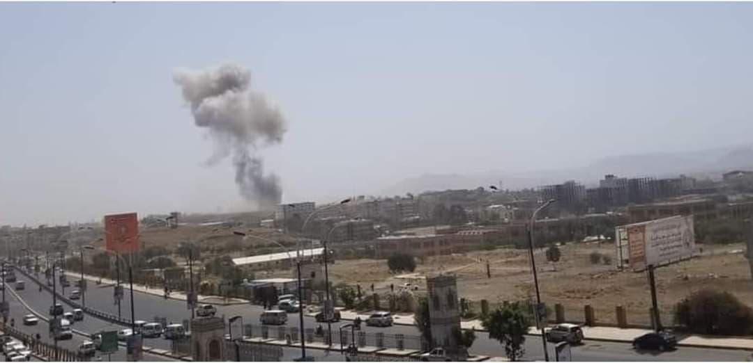 انفجارات تطال مقر معسكر الفرقة الأولى مدرع في صنعاء