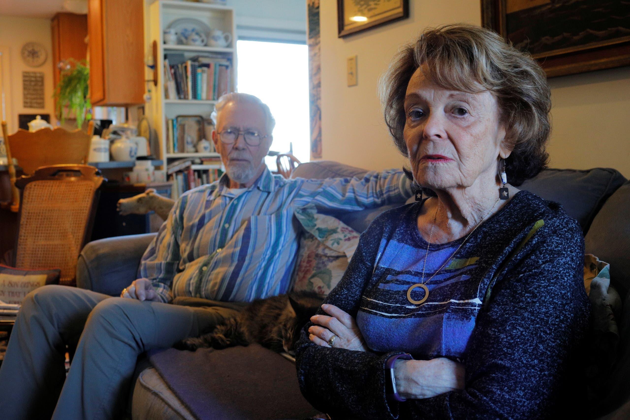 زوجان يتعالجان من مرض ألزهايمر (رويترز)