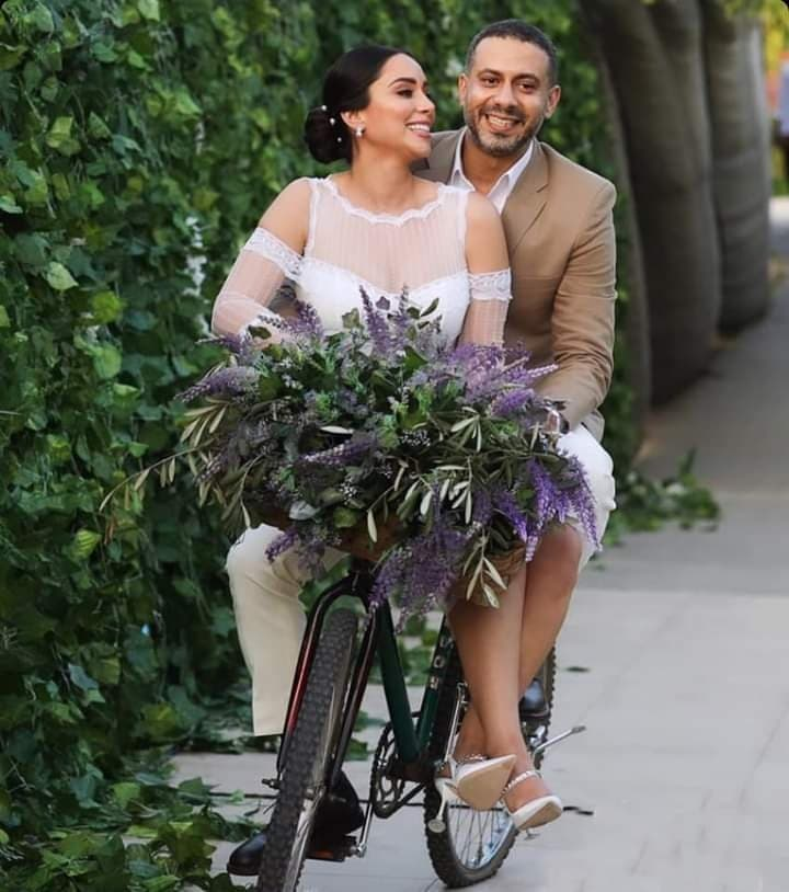 On the way of Nightingale and Shadia.. Pictures of the wedding of the artist Mohamed Farraj