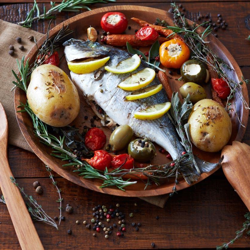 لتقليل عدوى كورونا.. تناولوا الأسماك وتجنبوا اللحوم