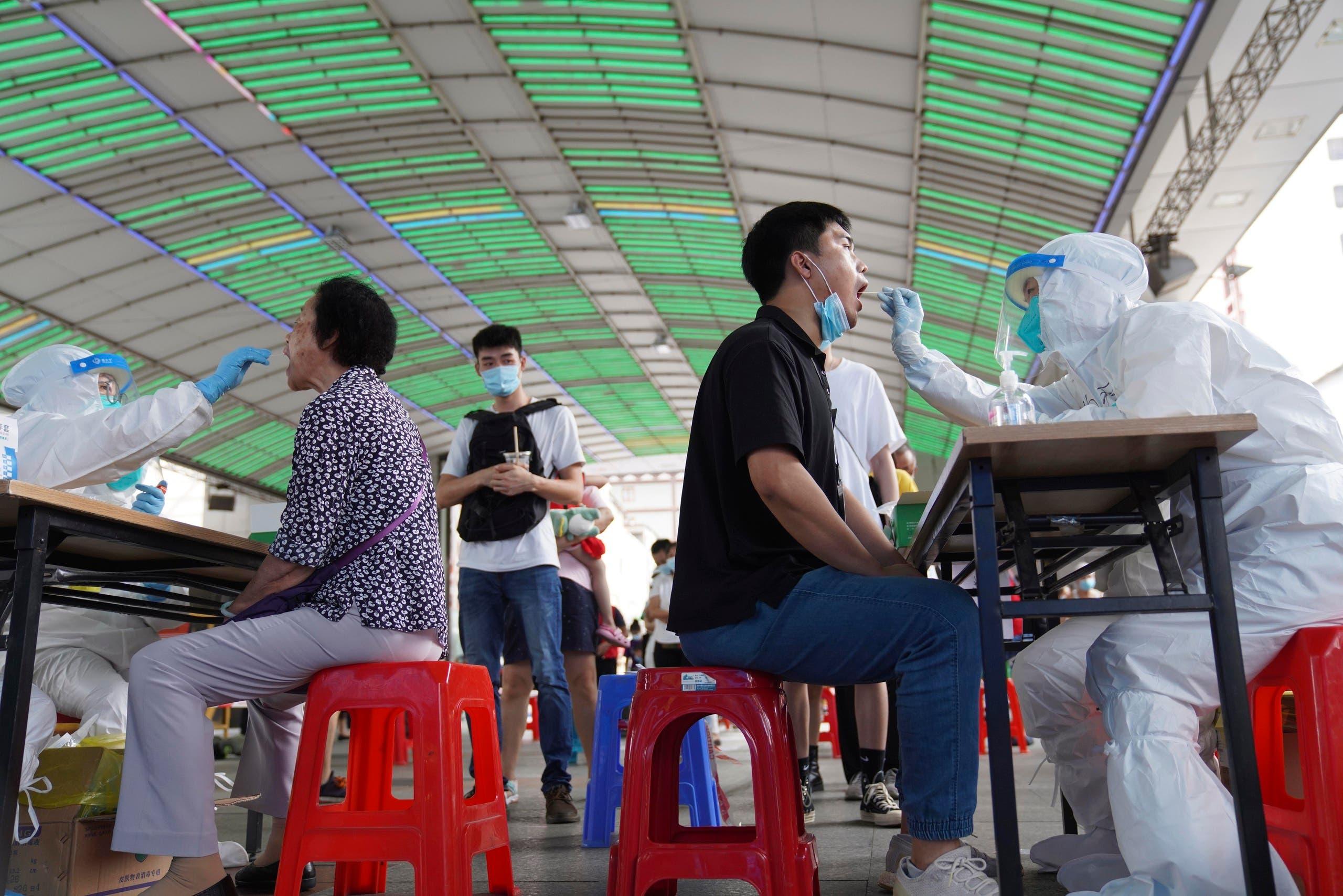 اختبارات مكثفة لكورونا في قوانغتشو  للحد من تفشي الفيروس