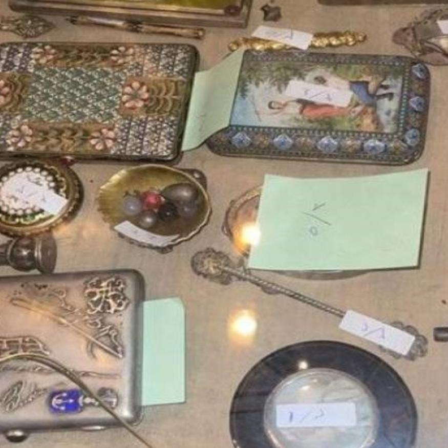 """مصر تكشف أسرارشقة """"الكنز"""" .. آثار وقطع فنية ومجوهرات بمليارات"""