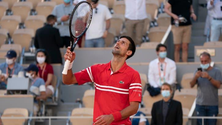 فاز بجائزة العمر.. شاهد رد صبي على هدية لاعب تنس شهير