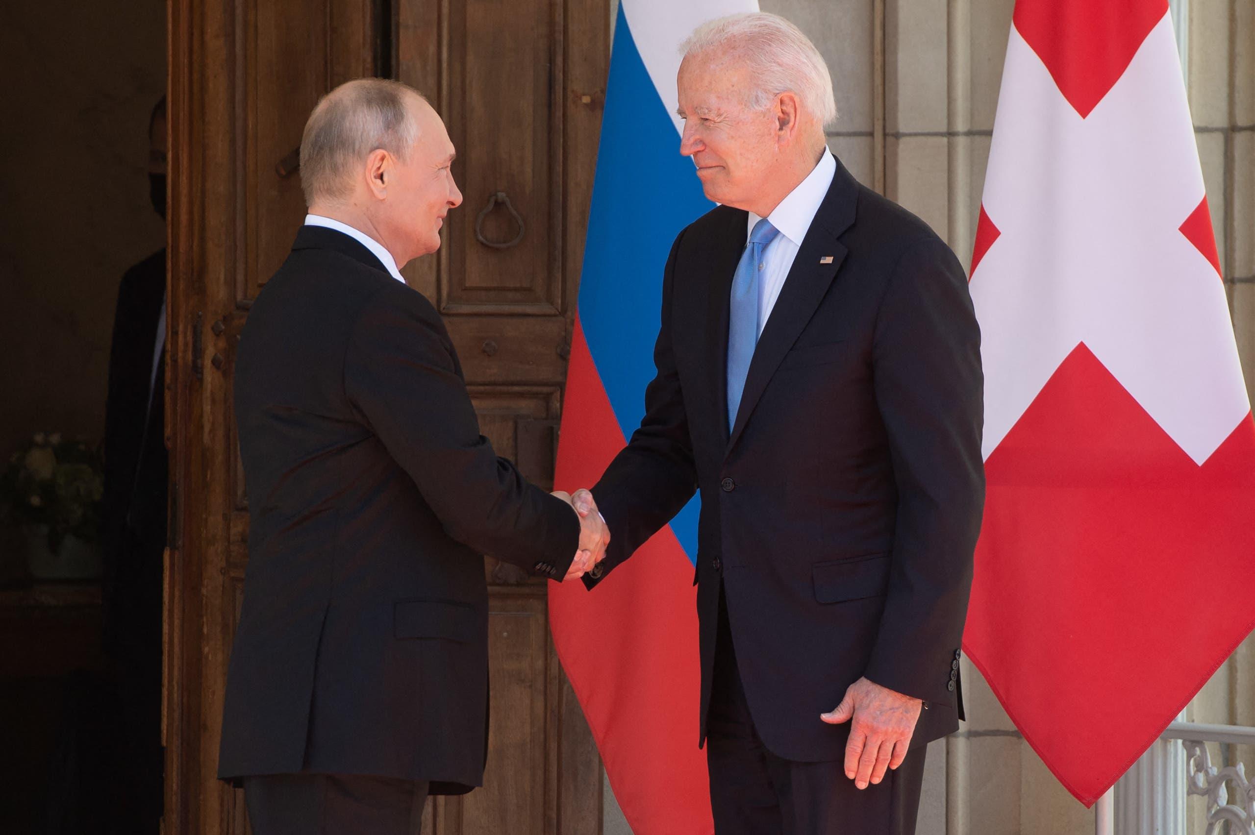 مصافحة بين بوتين وبايدن في أول لقاء بينهما في جنيف منذ انتخاب الرئيس الأميركي
