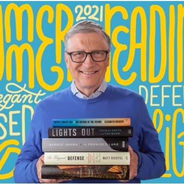 5 كتب يرشحها بيل غيتس للقراءة في الصيف