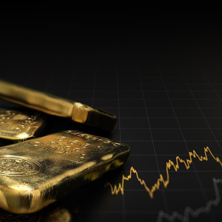 الذهب يتراجع بفعل قوة الدولار وإشارات متباينة من الفيدرالي