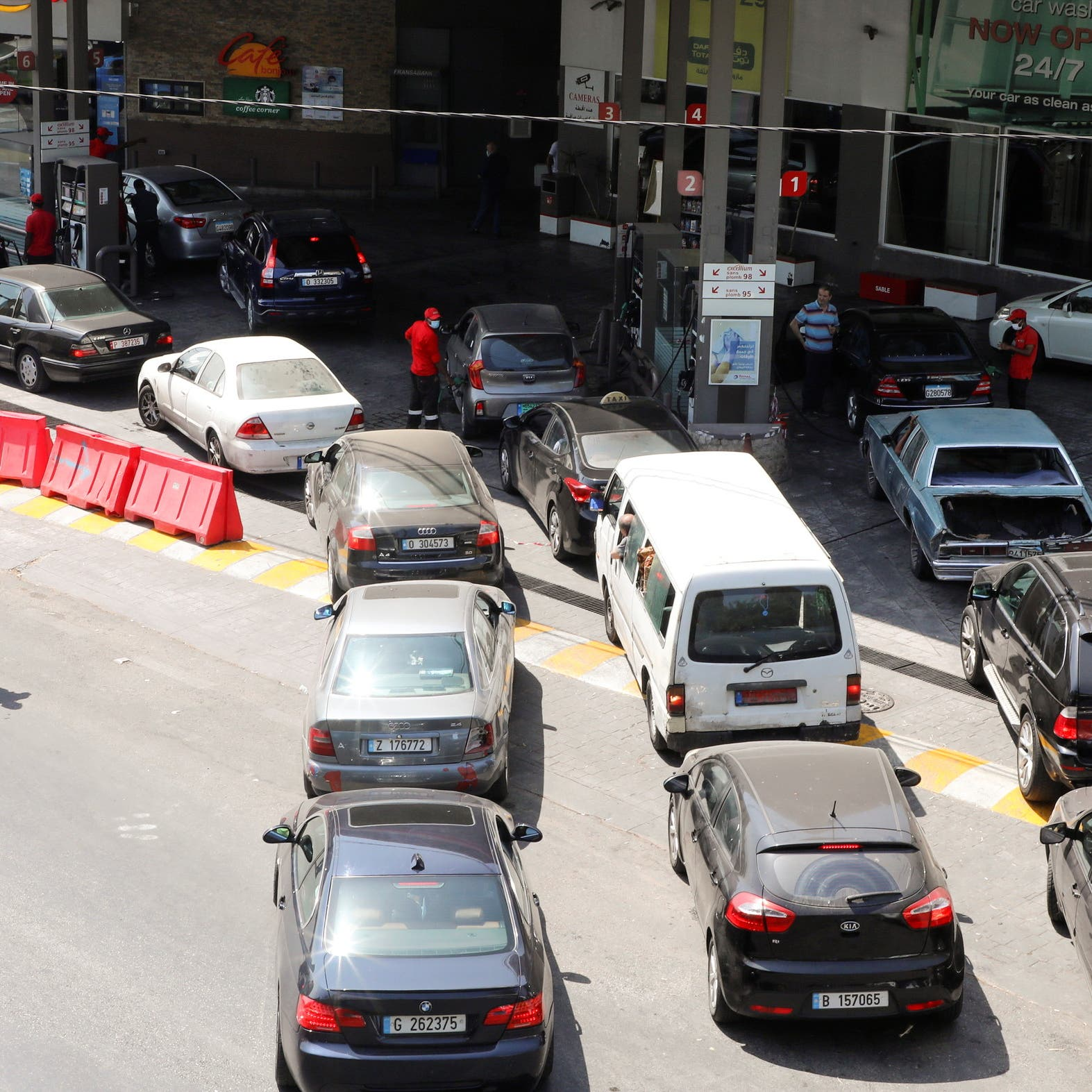 حاكم مصرف لبنان: لم نعد قادرين على اعتماد شراء المحروقات