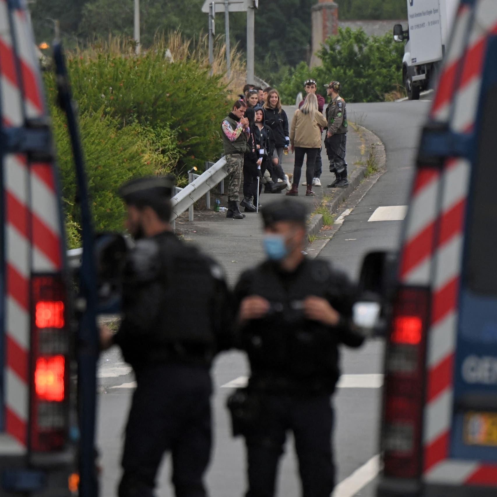 """شاب يفقد يده إثر تفريق الشرطة الفرنسية لحفل موسيقي """"مخالف"""""""