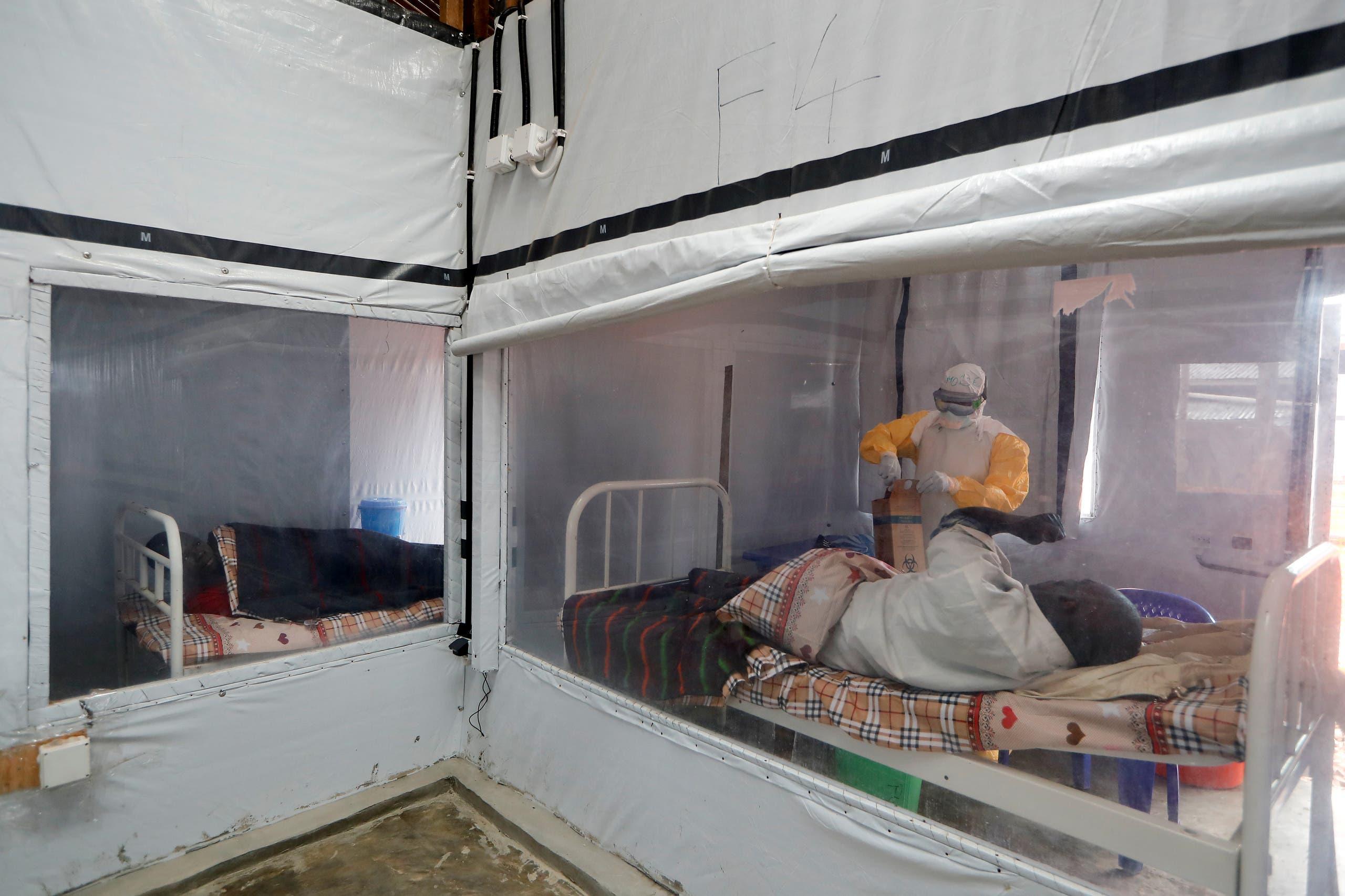 من مركز لعلاج المصابين بإيبولا في الكونغو الديمقراطية في 2019