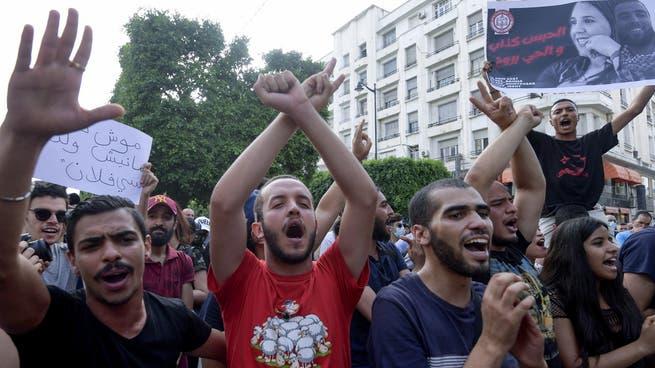 مطالب متزايدة للسلطات التونسية بالتحقيق في تجاوزات الشرطة