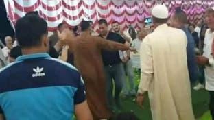 شاهد مصريا يرقص بحفل زفاف أخيه وفجأة ينهار ويلفظ أنفاسه