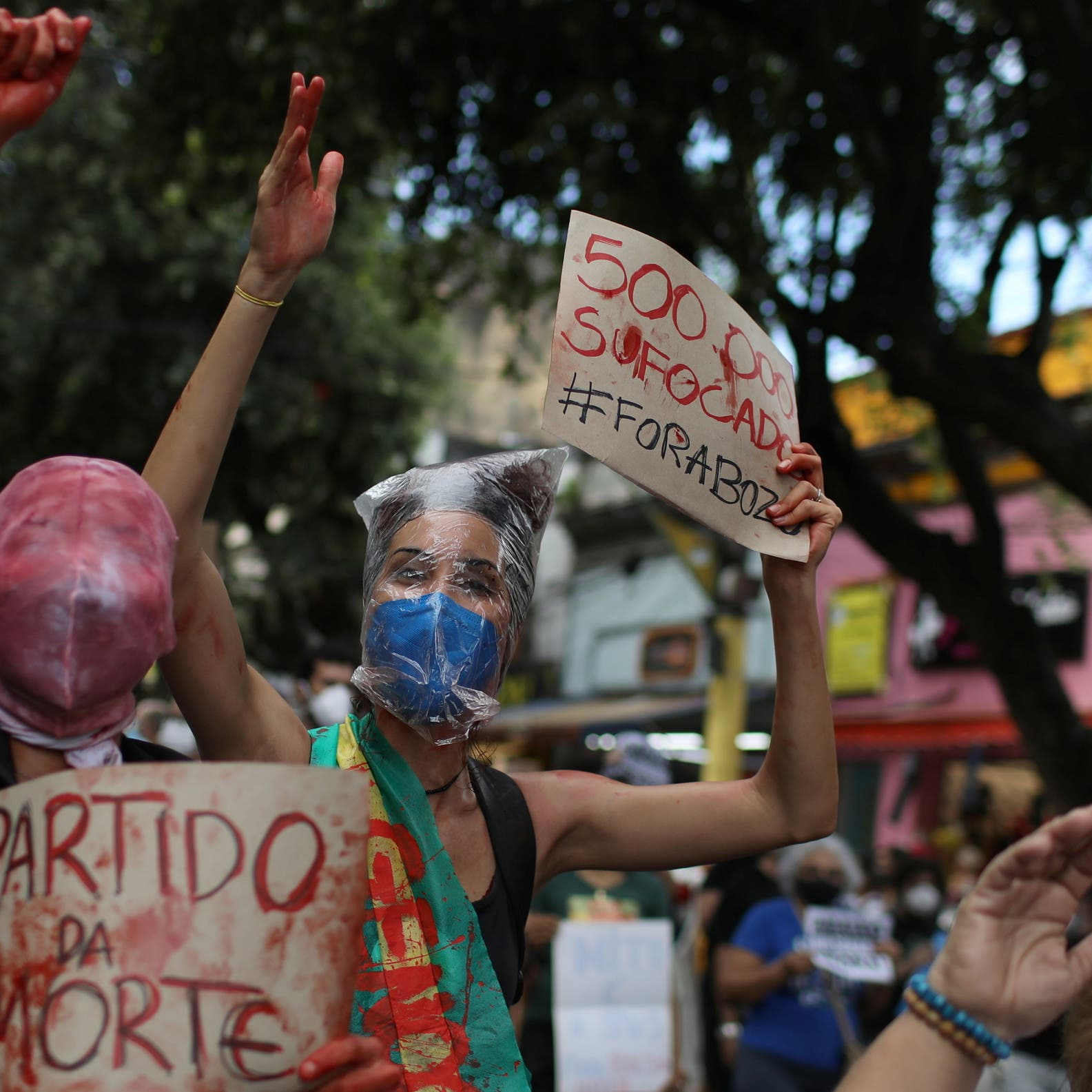 Anti-government protests erupt as Brazil tops 500,000 COVID-19 deaths