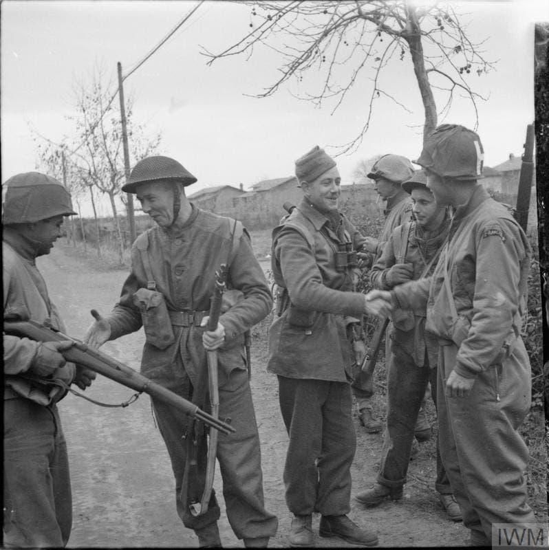 جانب من القوات البريطانية بإيطاليا