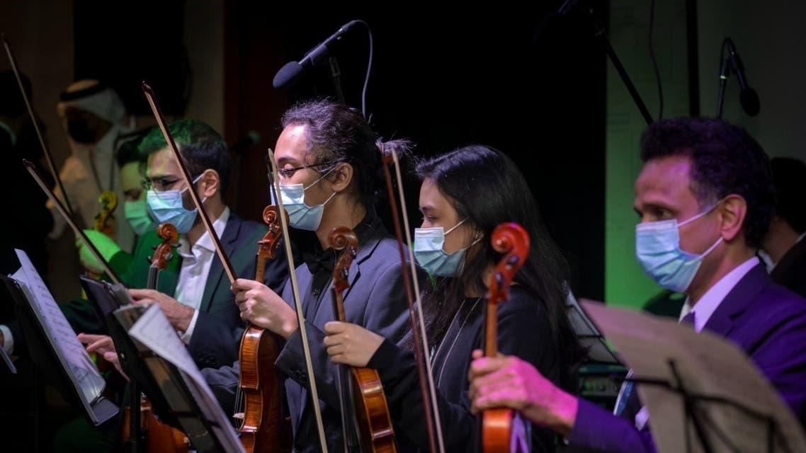 معزفات موسيقسة في الملتقى