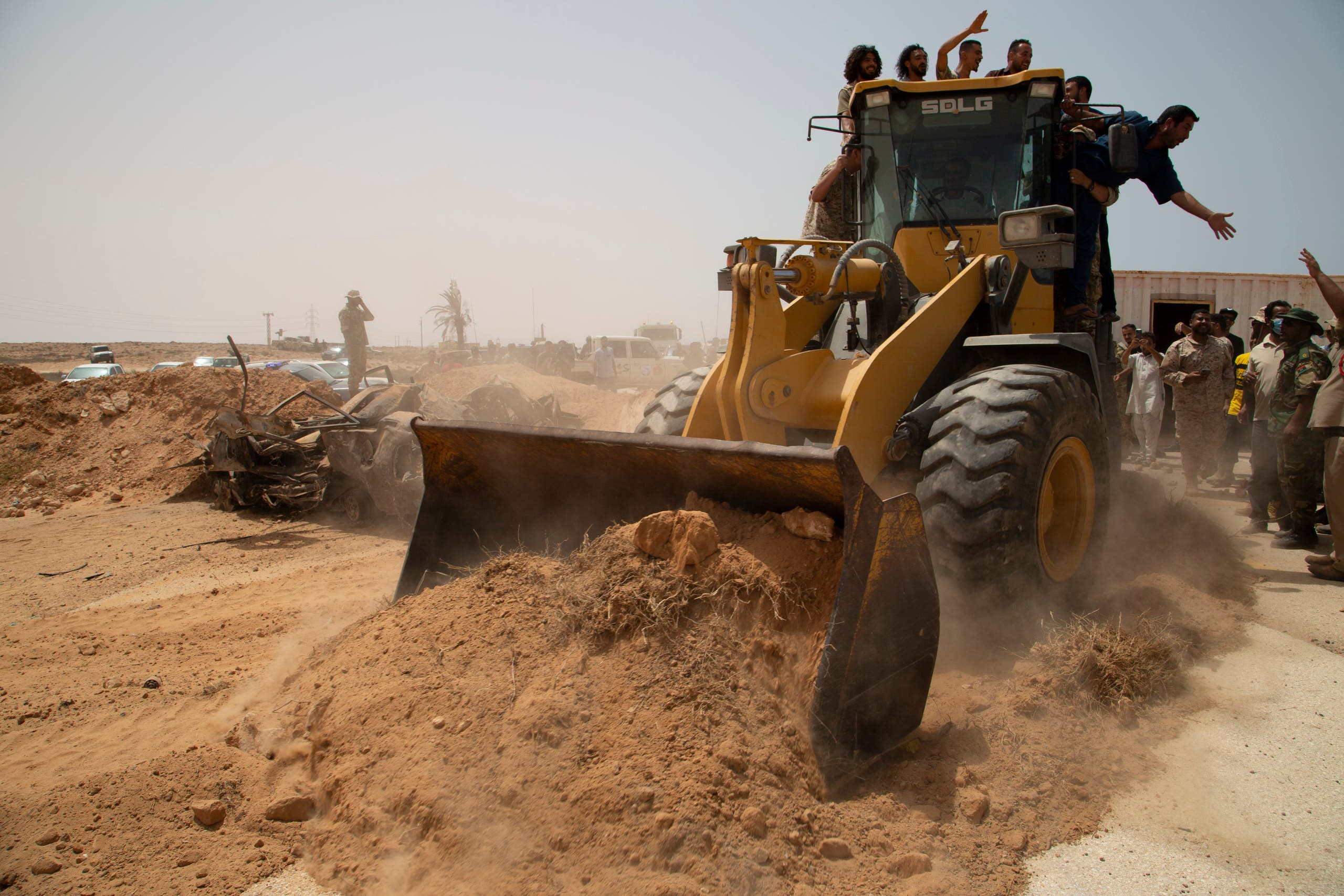 من إعادة فتح الطريق الساحلي في ليبيا (أسوشييتد برس)