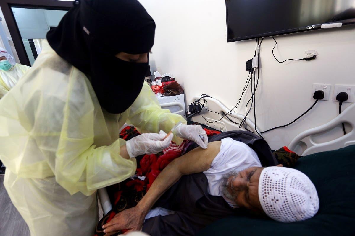 من حملة التطعيم ضد كورونا في السعودية