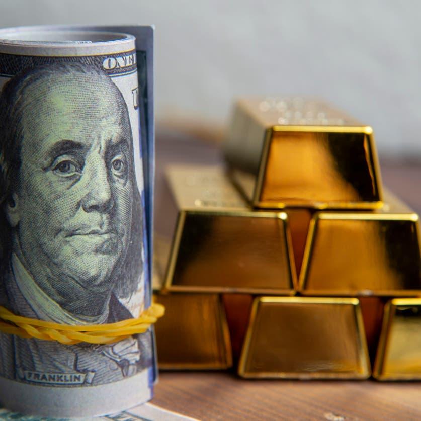 الذهب يتماسك فوق 1800 دولار بدعم نزول الدولار