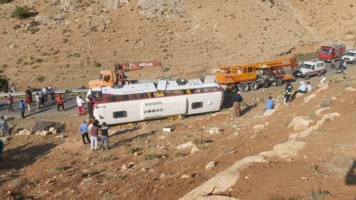 واژگونی اتوبوس حامل خبرنگاران در نقده