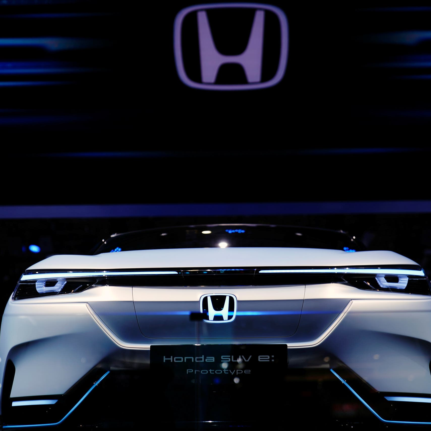 Honda changing course, will build its own electric vehicles