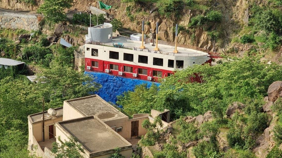 السفينة فوق جبال فيفا