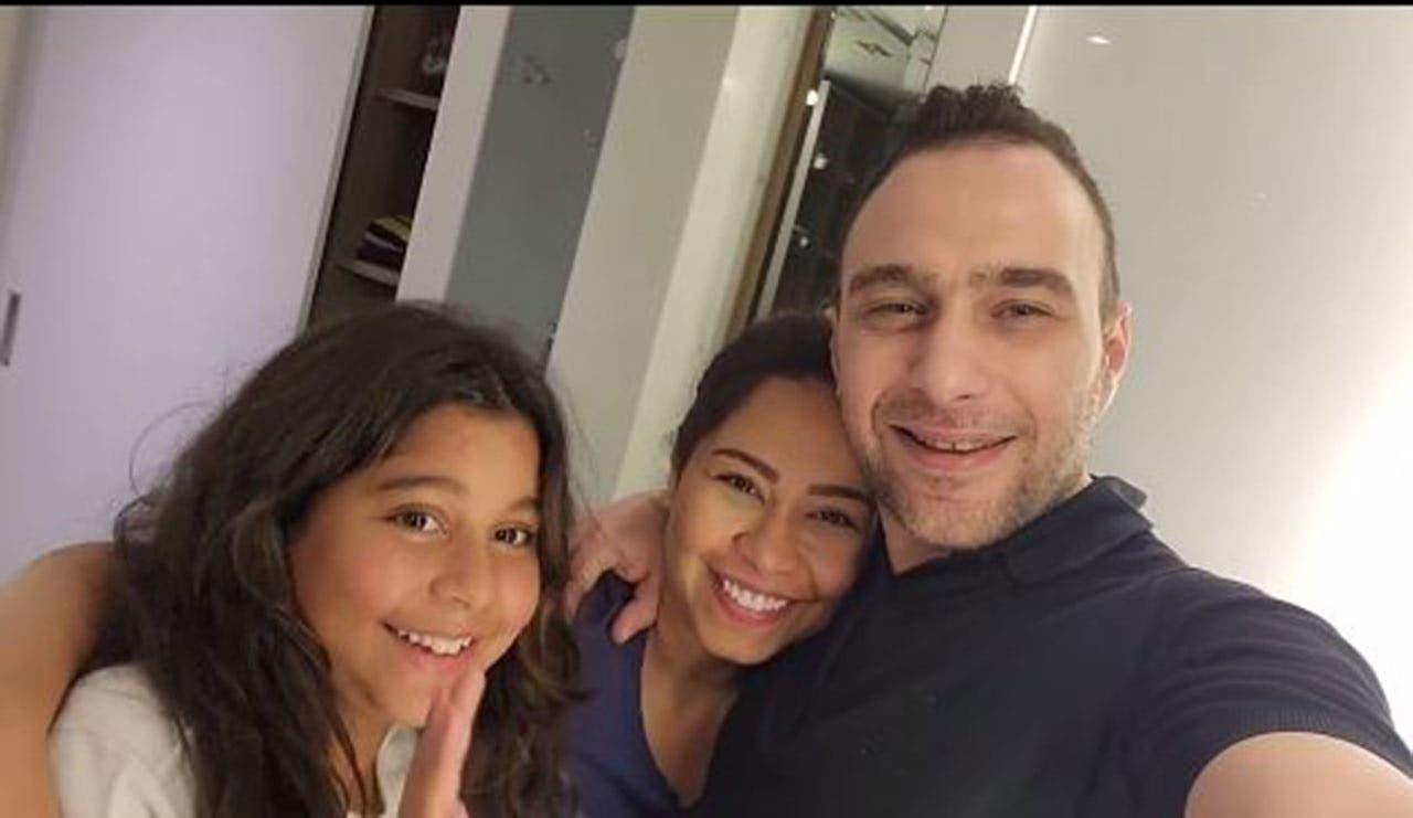 حسام حبيب مع شيرين وابنتها في أول ظهور لهم بعد أزمة التسريب الصوتي