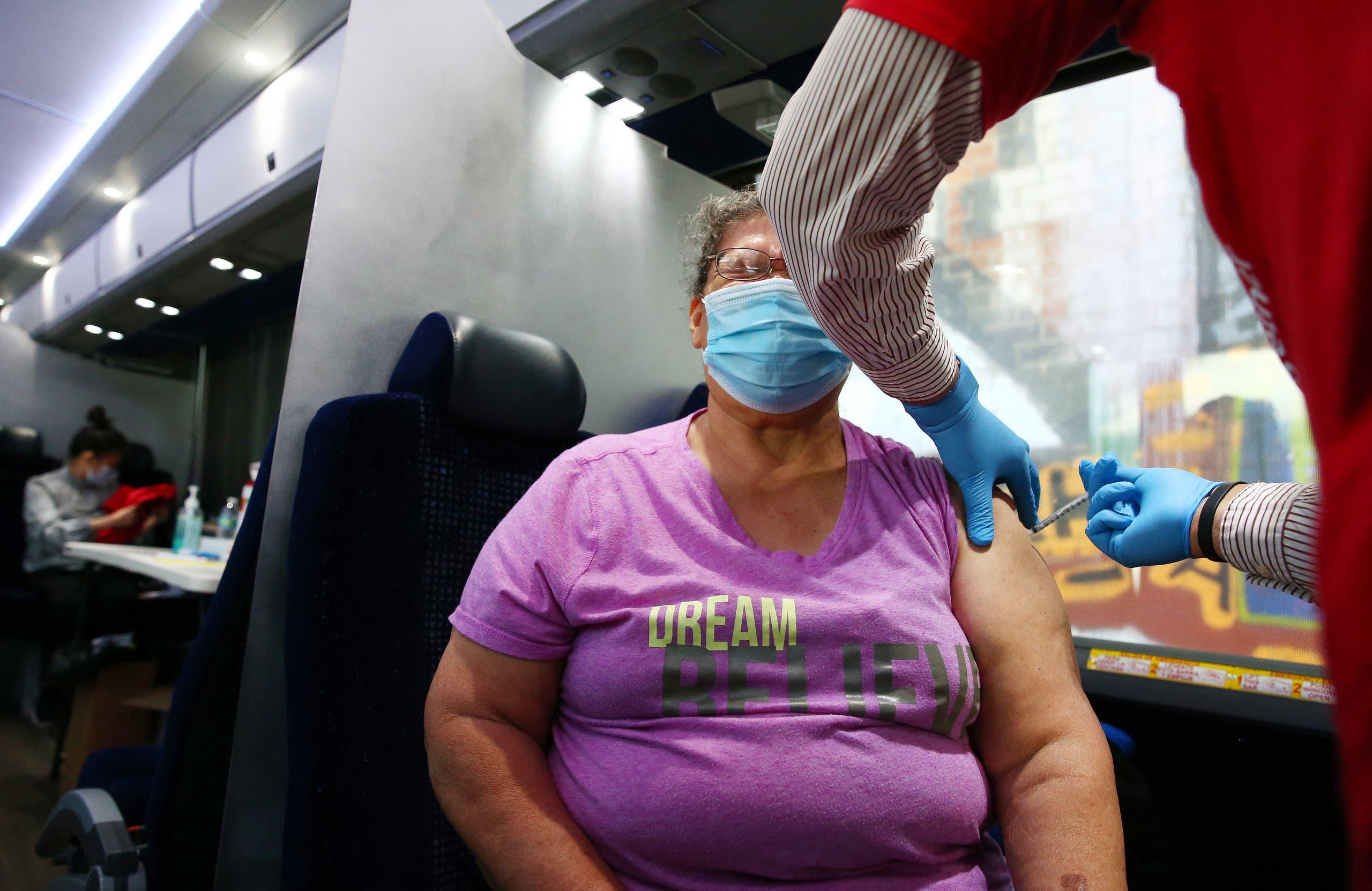 من حملة التطعيم ضد كورونا في الولايات المتحدة