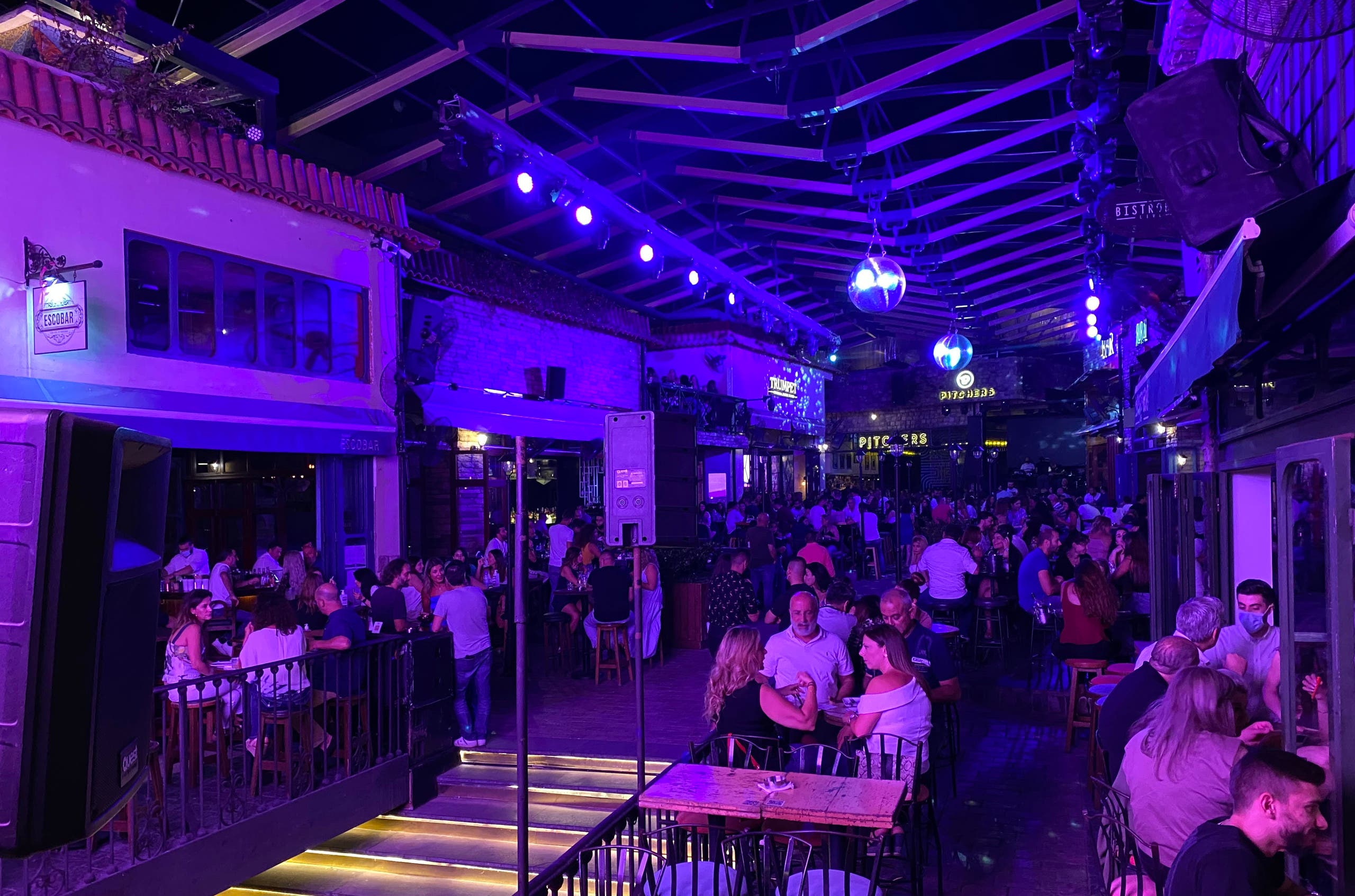 People having dinner and drinks in the area of Dbayeh on Thursday, June 24. (Image: Vanessa Ghanem)