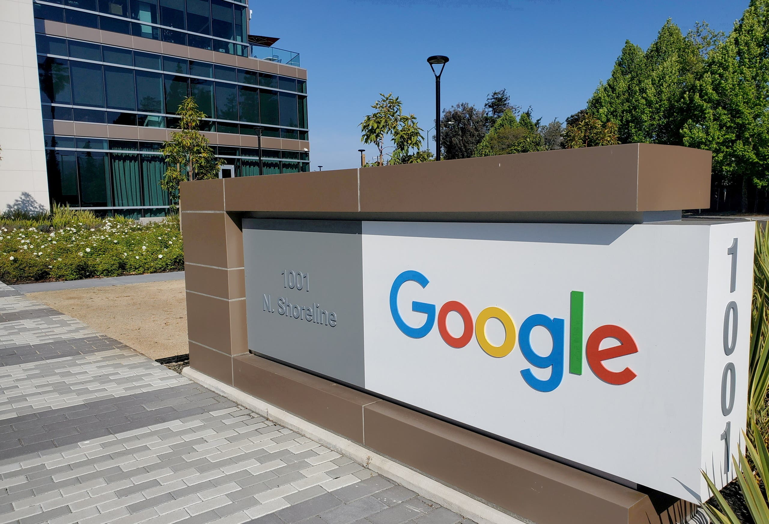 A sign is pictured outside a Google office near the company's headquarters in Mountain View, California, US, May 8, 2019. (File Photo: Reuters)