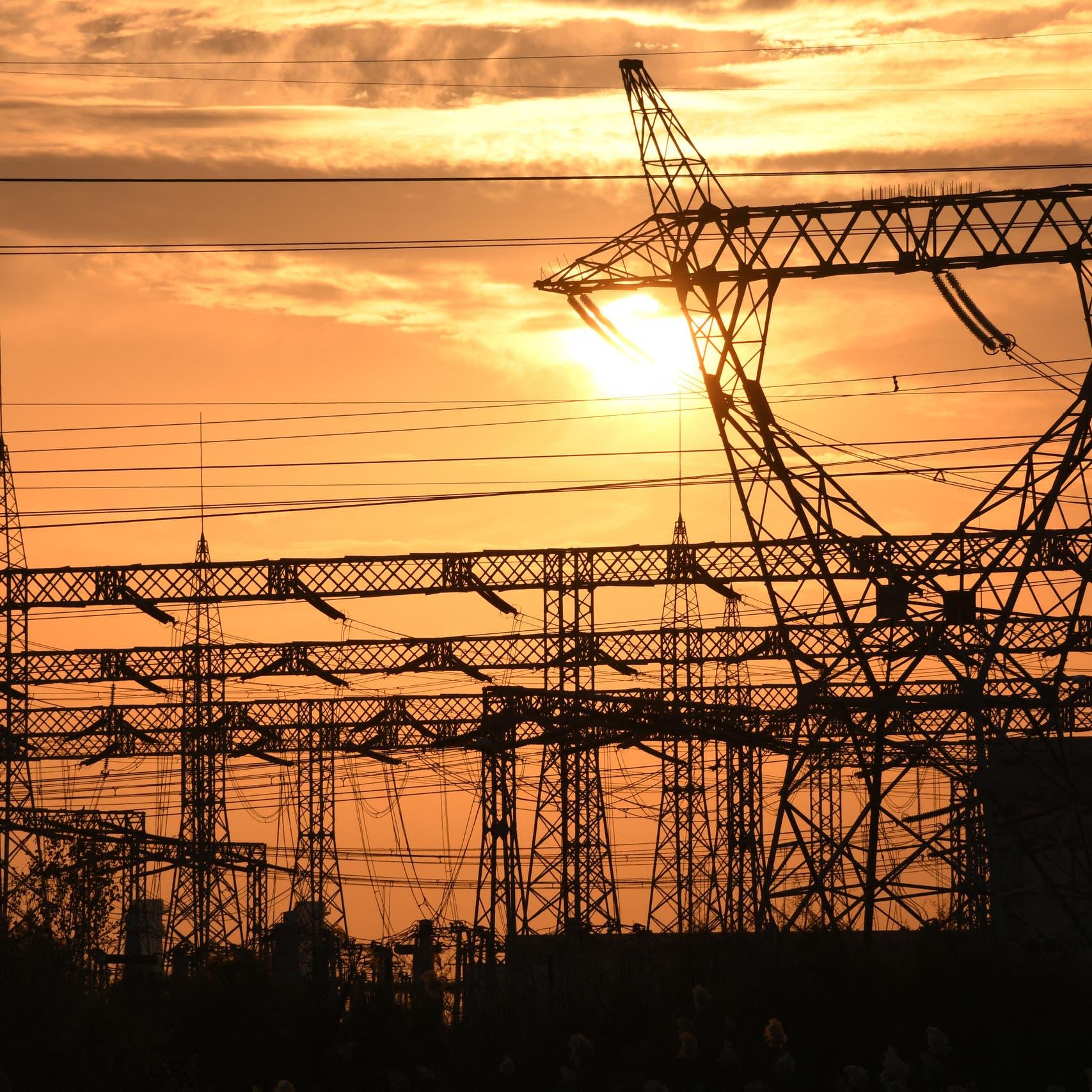 الكهرباء والحر يشعلان غضباً في العراق.. طهران توقف الامداد
