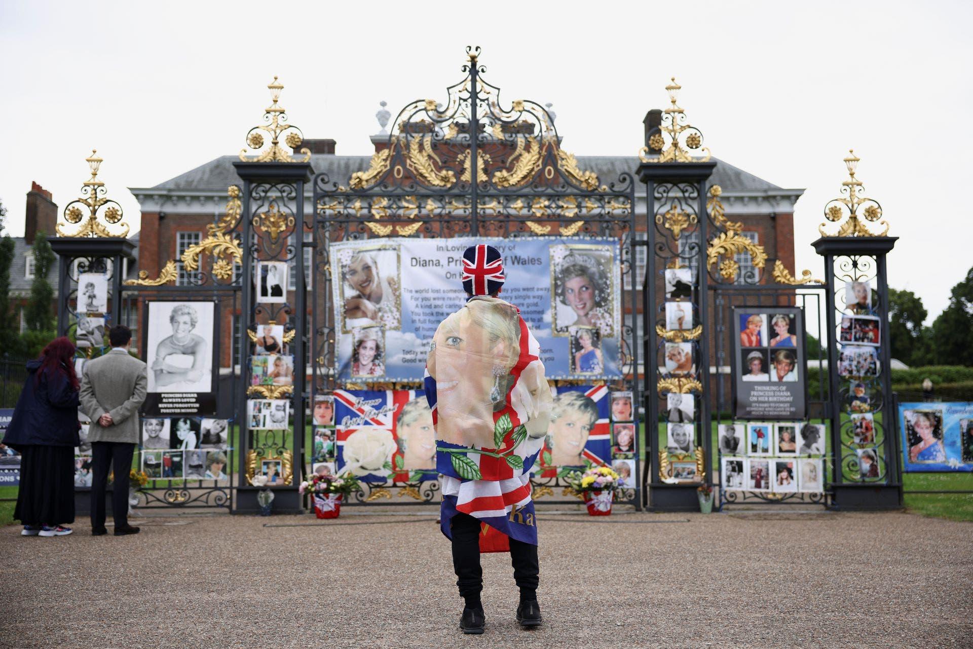 قصر كنسينغتون كما يبدو يوم الإحتفال بذكرى الميلاد ال60 للأميرة ديانا